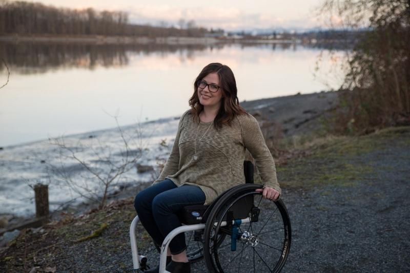 wheelchair-4482537_1920